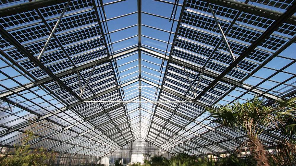 EnerSerre calculates solar and PAR transmission in photovoltaic (PV) greenhouse