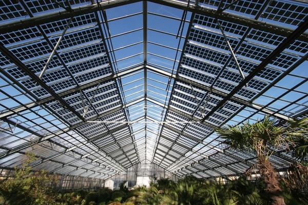 Calcul de transmission lumineuse (PAR) dans une serre PV photovoltaique avec EnerSerre